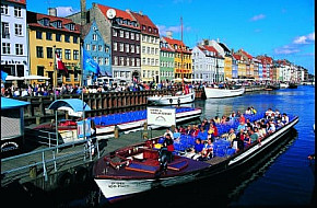 Canal tour in Nyhavn